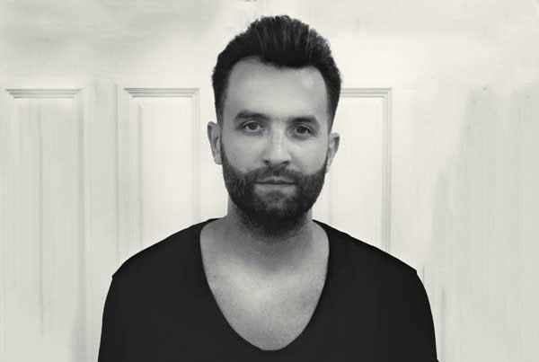 Piotr Hull
